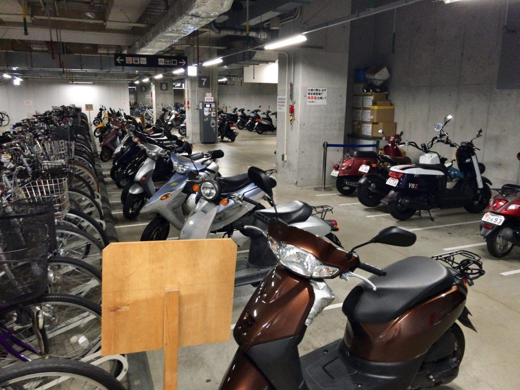 JR博多シティ駐輪場