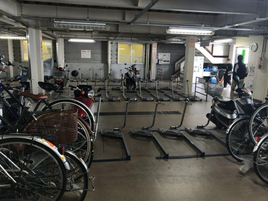 西新駅中央自転車駐車場